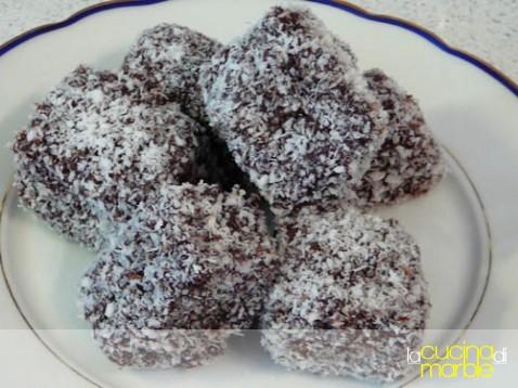 dolcetti cioccolato e cocco - lamington