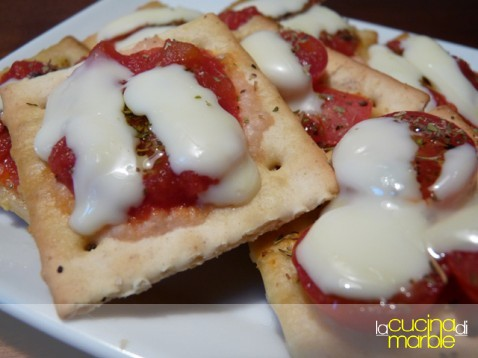 pizzette di crackers