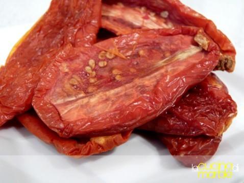 ammollare i pomodori secchi